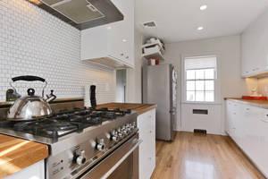 25b95fdd-8e2f-3009-3934-cc1554151648_kitchen.jpg