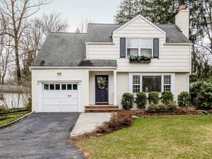 10 Overhill Rd, New Providence NJ: $675,000