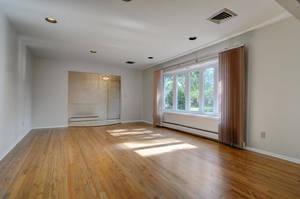 76 White Pl Clark NJ 07066 USA-large-012-010-Living Room-1500x997-72dpi.jpg