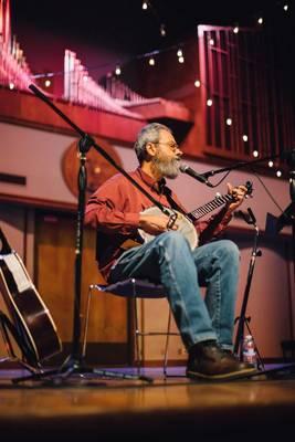 Carousel_image_19901fab235b53bb87e5_bill_playing_banjo_3f2a2123