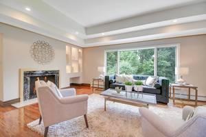 06 - Living Room (2 of 3).jpg