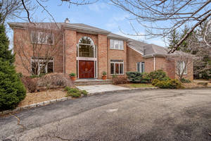 23 Hadrian Drive, Livingston, NJ:  $1,549,888