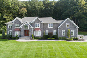 12 Chaser Ct. Beautiful Luxury Home