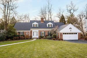 16 Canterbury Lane, Summit NJ: $1,440,000