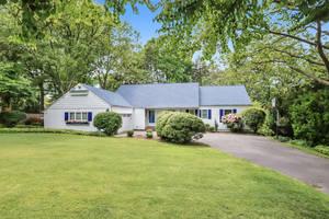 27 Dale Drive, Summit, NJ: $999,000