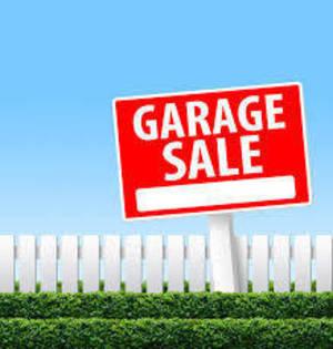 Carousel_image_21b004186f89f9823bd3_garage_sale