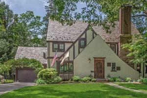 3 Oak Knoll Road, Summit, NJ:$1,129,000