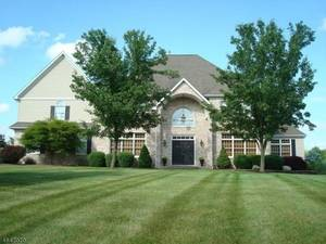 4 Four Seasons Drrive, Raritan Twp., 08822
