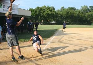 Carousel_image_25e018b8c8e1ca00938b_national_night_out_police_firefighter_softball_d