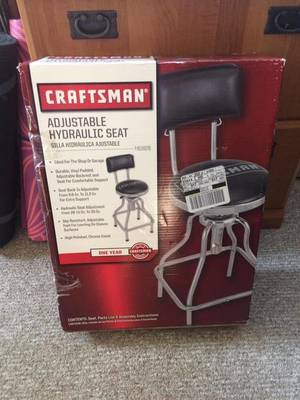 Carousel_image_28ae394c76fbb2578880_craftsman_stool__nib_