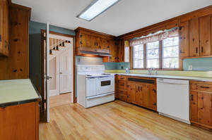 14 Hampton Rd Cranford NJ-large-014-13-Kitchen-1500x996-72dpi - Copy.jpg