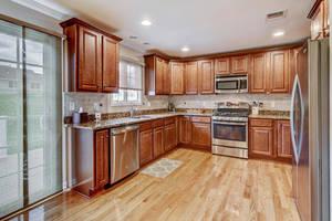 10 Harvey Court Clark NJ 07066-large-010-23-Kitchen-1500x1000-72dpi.jpg