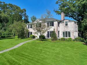 74 Taylor Road, Short Hills, NJ: $2,595,000