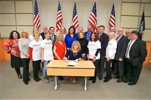 Carousel image 2cc0a45872a64b165980 putnam county executive odell signs opioid lawsuit resolution