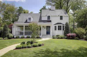 138 Canoe Brook Parkway, Summit NJ: $1,025,000