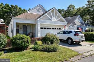 $197,800 52 Deerfield Drive Manahawkin, NJ 08050