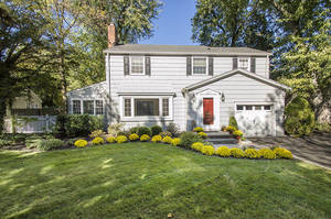 137 Blackburn Rd, Summit NJ: $945,000