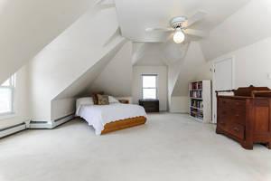 11_PearlSt_white bedroom 3_web.jpg