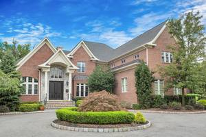 9 Trafalgar Drive, Livingston NJ:  $1,988,000