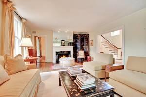 09 - Living Room (2 of 2).jpg