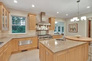 10 - Kitchen 2 Of 2.jpg