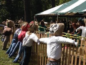 Carousel_image_3bf5f432bf6956e09275_scarecrows