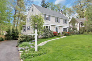 4 Manor Hill Road, Summit, NJ: $1,145,000