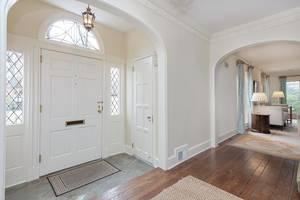 2 Foyer.jpg