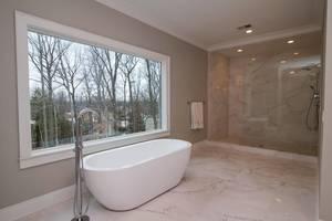 20 Master Bath.jpg