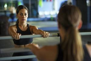 Carousel_image_3fb03bd2e04327a0d035_barre_intensity_-_chair