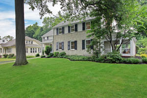 37 Oakley Avenue, Summit, NJ: $1,075,000