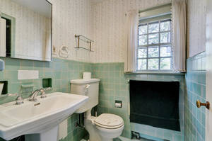 14 Hampton Rd Cranford NJ-large-024-18-Bathroom-1500x997-72dpi.jpg