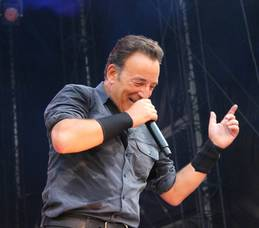 Carousel_image_47243b7240f7c463a2a7_springsteen