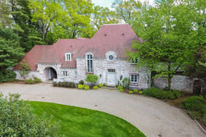 10 Joanna Way, Short Hills, NJ 07078: $2,769,000