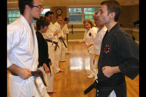 Carousel_image_498d2e2f4fe7f46b5a40_adult_karate