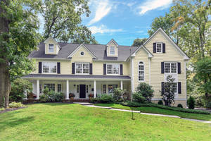 31 Little Wolf Road, Summit, NJ: $2,095,000