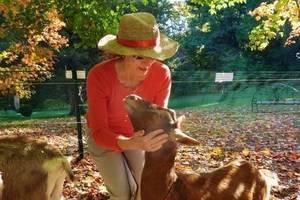 lisa-and-goat-main_002.jpg