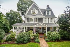 16 Oak Ridge Ave, Summit NJ: $1,375,000