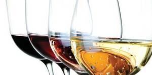 Carousel_image_4dbcd2e41789d851b5d2_eventphotofull_wine-tasting_070217-055830