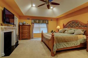 5 Schmidt Ln Clark NJ 07066-large-018-018-Master Bedroom-1500x997-72dpi - Copy.jpg