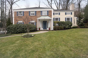 20 Club Drive, Summit NJ: $1,175,000