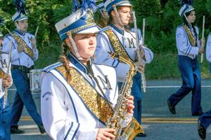 Carousel_image_514cb387ef4d6ba1be49_mhs_marching_band