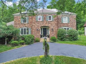 22 Bruce Path, Short Hills NJ:  $1,448,000