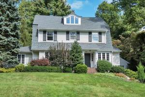 22 Dogwood Drive, Summit, NJ: $2,300,000