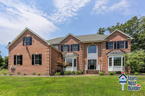 IMPROVED PRICE Sophisticated 5BR in Serene Country Setting