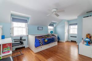 11_OaklawnRd_blue bedroom_web.jpg
