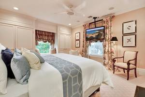 19 - Master Bedroom Suite.jpg