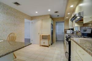 76 White Pl Clark NJ 07066 USA-large-016-016-Kitchen  Dining Room-1500x997-72dpi.jpg
