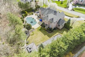 Lakeview Backyard-1