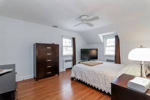 11_OaklawnRd_master bedroom 2_web.jpg